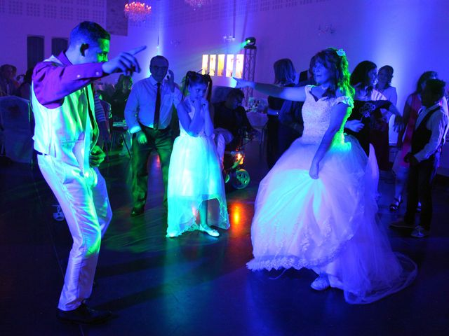 Le mariage de Mickaël et Vanessa à Magalas, Hérault 78