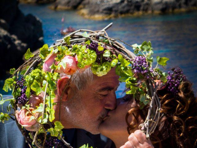 Le mariage de Gilles et Virginie à L'Île-Rousse, Corse 8