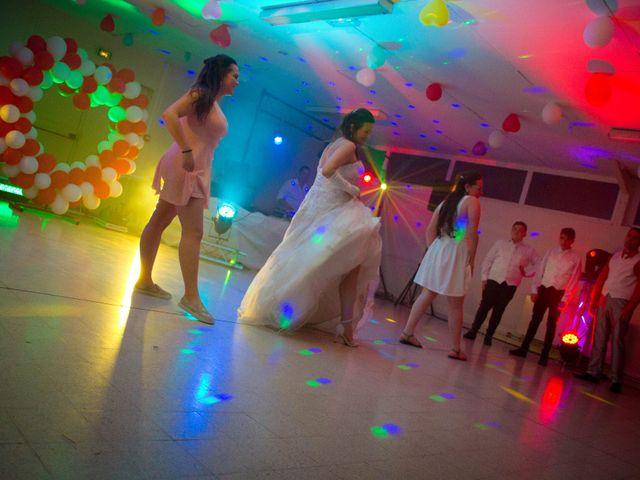 Le mariage de Thomas et Nathalie à Esnes, Nord 77