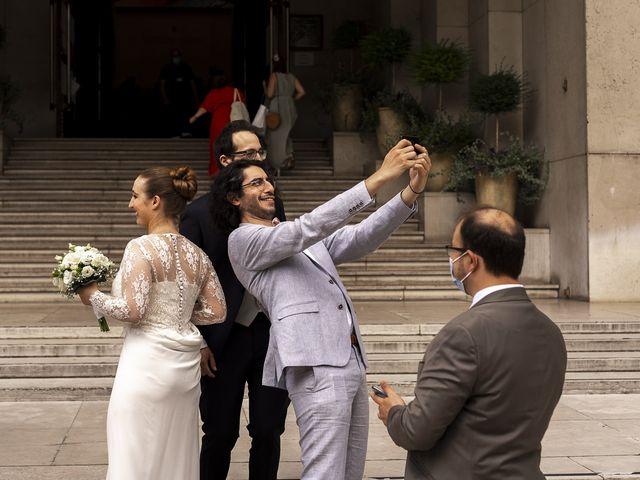 Le mariage de Julien et Camille à Paris, Paris 5
