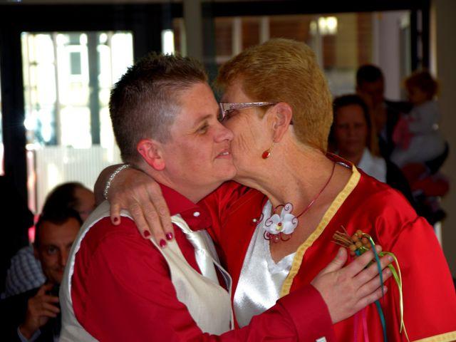 Le mariage de Laetitia et Chrystelle à Belleville, Rhône 9