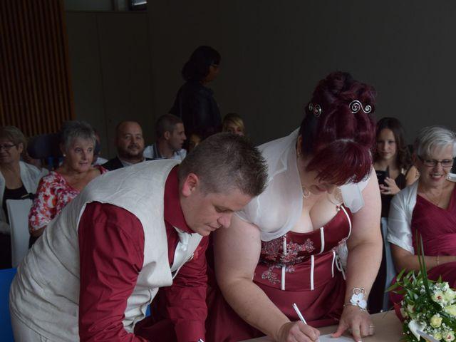 Le mariage de Laetitia et Chrystelle à Belleville, Rhône 13