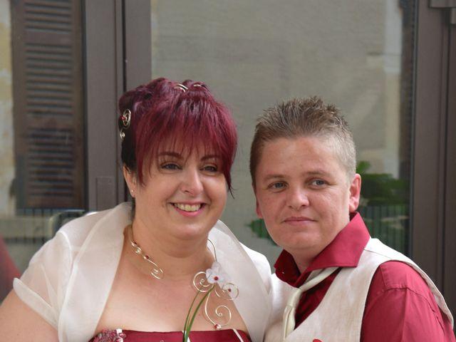 Le mariage de Laetitia et Chrystelle à Belleville, Rhône 16
