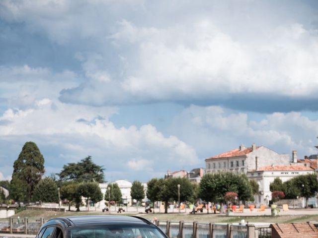 Le mariage de Maxime et Natacha à Saintes, Charente Maritime 24