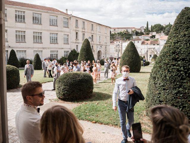 Le mariage de Maxime et Natacha à Saintes, Charente Maritime 27