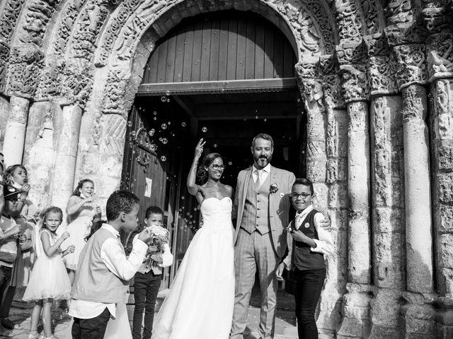 Le mariage de Maxime et Natacha à Saintes, Charente Maritime 44