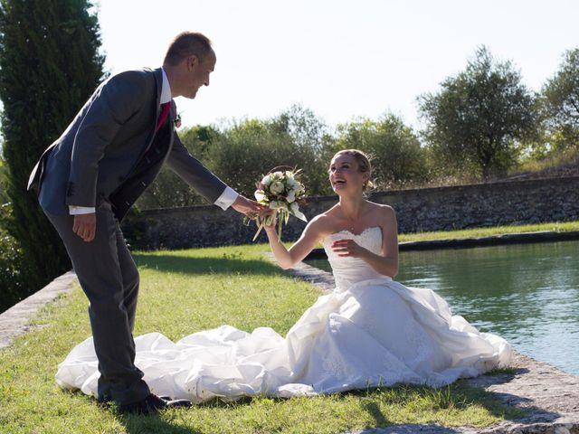 Le mariage de Philippe et Cécile à La Tour-d'Aigues, Vaucluse 24
