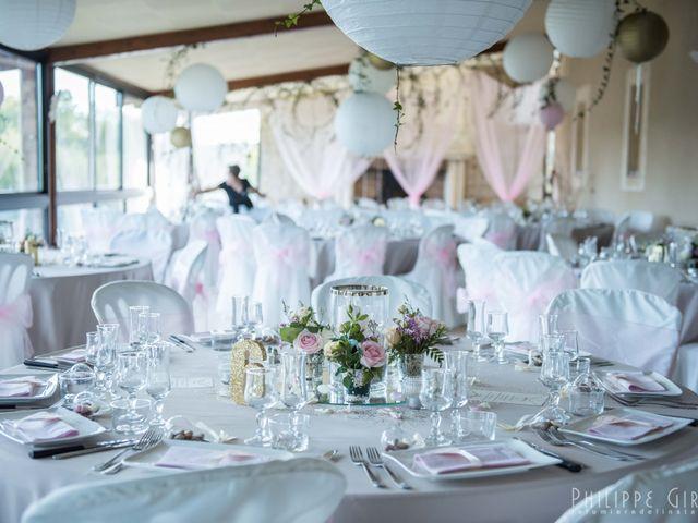 Le mariage de Thomas et Gwen à Boulazac, Dordogne 50