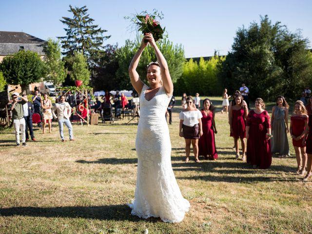 Le mariage de Jimmy et Estelle à Lusignan, Vienne 71