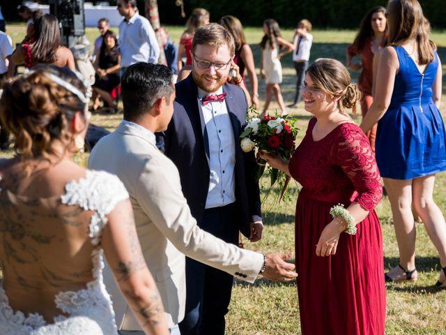 Le mariage de Jimmy et Estelle à Lusignan, Vienne 74