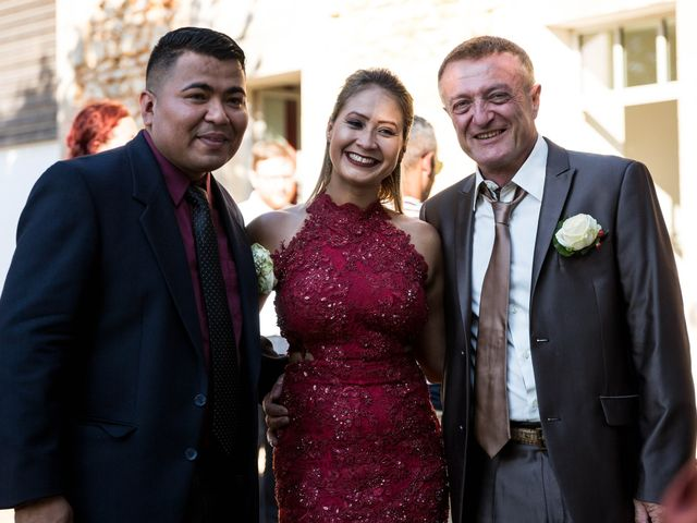 Le mariage de Jimmy et Estelle à Lusignan, Vienne 77