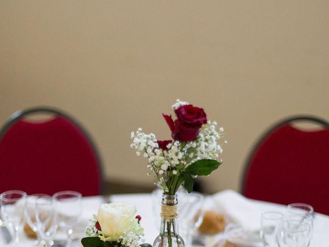 Le mariage de Jimmy et Estelle à Lusignan, Vienne 94