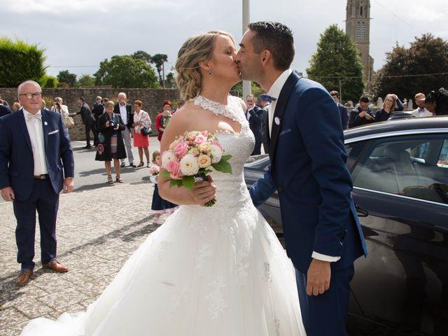 Le mariage de Cédric et Anne-Claire à Le Foeil, Côtes d'Armor 29