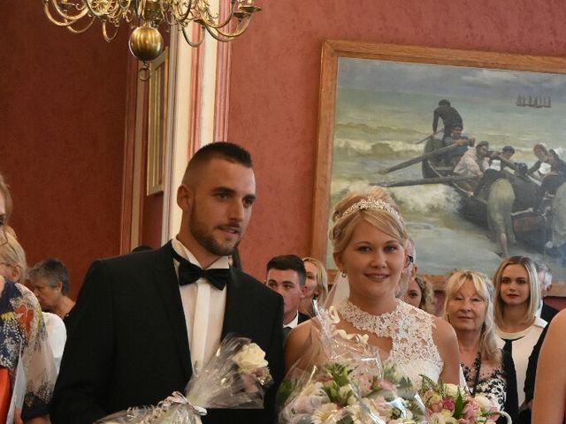 Le mariage de Pierre  et Laura  à Saint-Just-en-Chaussée, Oise 20