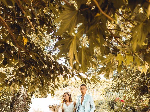 Le mariage de Thomas et Cathy à Fleurie, Rhône 19