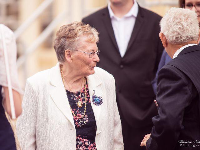 Le mariage de Léo et Amandine à Hénouville, Seine-Maritime 77