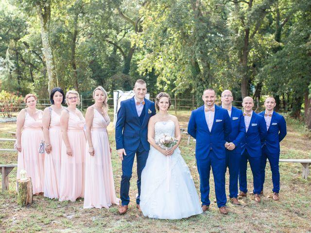 Le mariage de Loïc et Alexiane à Bourriot-Bergonce, Landes 45