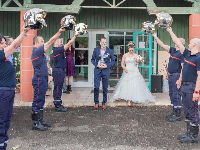 Le mariage de Loïc et Alexiane à Bourriot-Bergonce, Landes 24