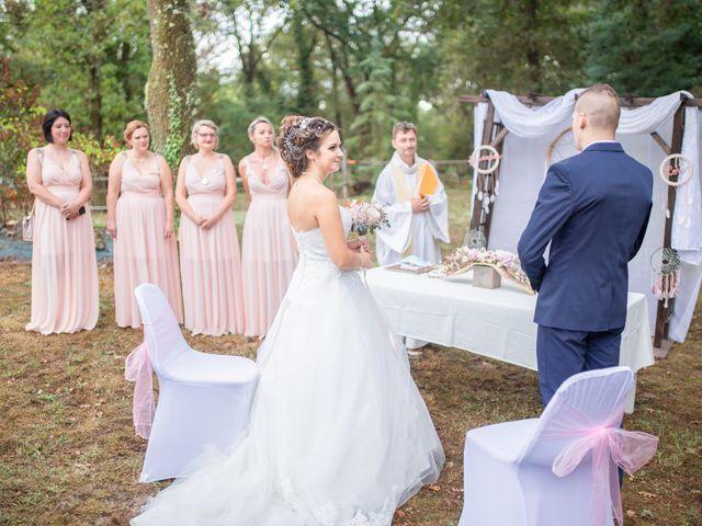 Le mariage de Loïc et Alexiane à Bourriot-Bergonce, Landes 32