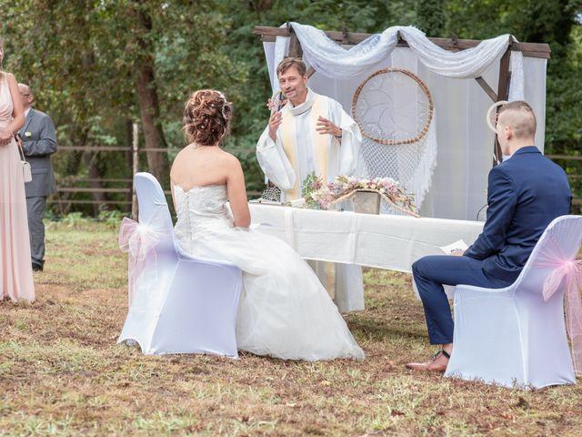 Le mariage de Loïc et Alexiane à Bourriot-Bergonce, Landes 37