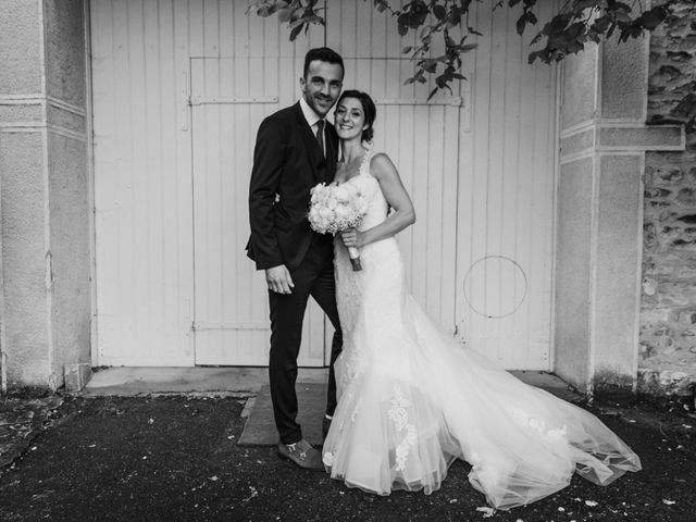 Le mariage de Yann et Mélanie à Pommiers, Rhône 8