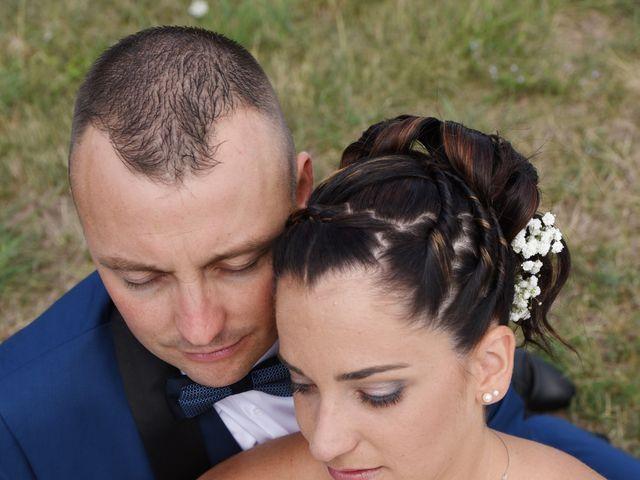 Le mariage de Loïc et Anaïs à Pélussin, Loire 12