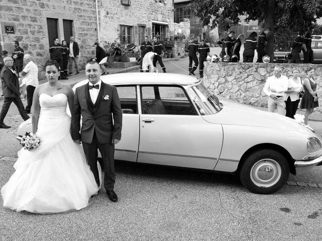Le mariage de Loïc et Anaïs à Pélussin, Loire 24
