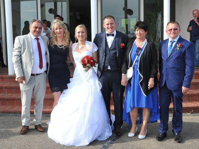 Le mariage de Quentin et Alicia à Saint-Fargeau, Yonne 69