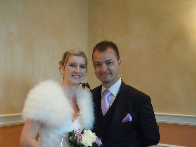 Le mariage de Jason et Elodie à Bourbourg, Nord 4