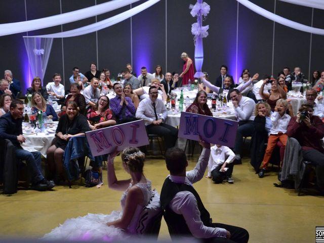 Le mariage de Jason et Elodie à Bourbourg, Nord 2
