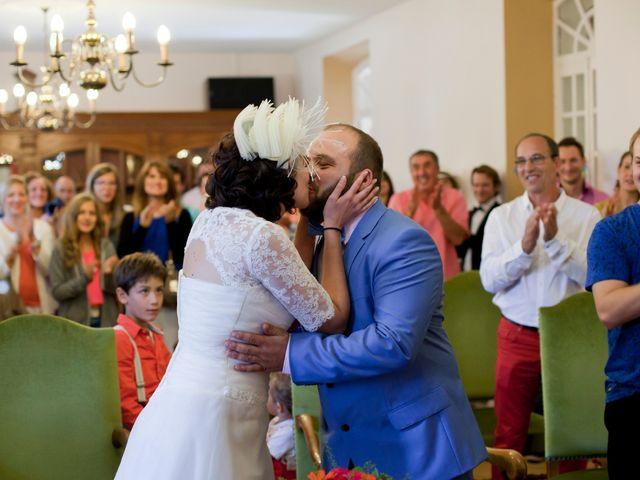 Le mariage de Maxime et Coralie à Cours-les-Bains, Gironde 10