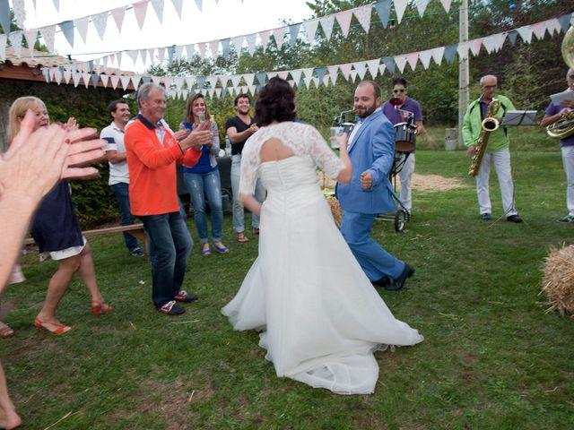 Le mariage de Maxime et Coralie à Cours-les-Bains, Gironde 17