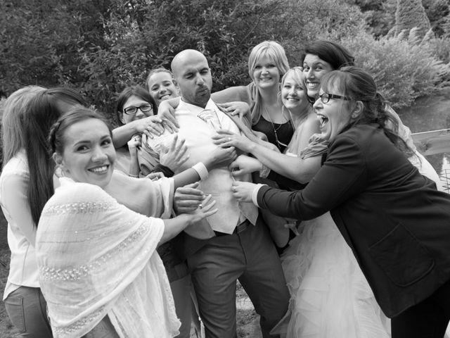 Le mariage de Elie et Gaëlle à Saint-Martin-la-Plaine, Loire 29
