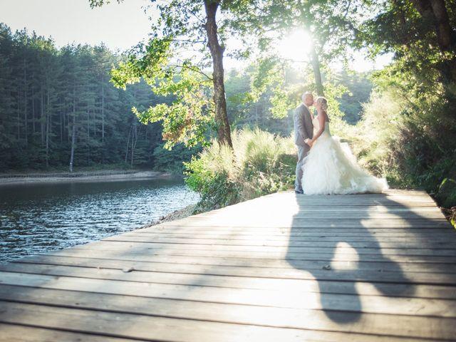 Le mariage de Elie et Gaëlle à Saint-Martin-la-Plaine, Loire 1