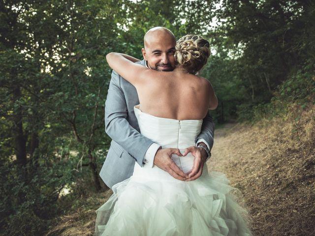 Le mariage de Elie et Gaëlle à Saint-Martin-la-Plaine, Loire 37