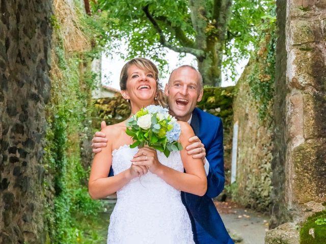 Le mariage de Nicolas et Mélanie à Fenioux, Deux-Sèvres 30