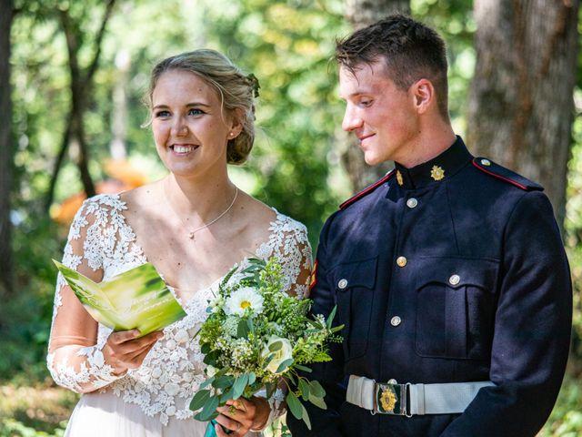 Le mariage de James et Linnea à Villedômer, Indre-et-Loire 36