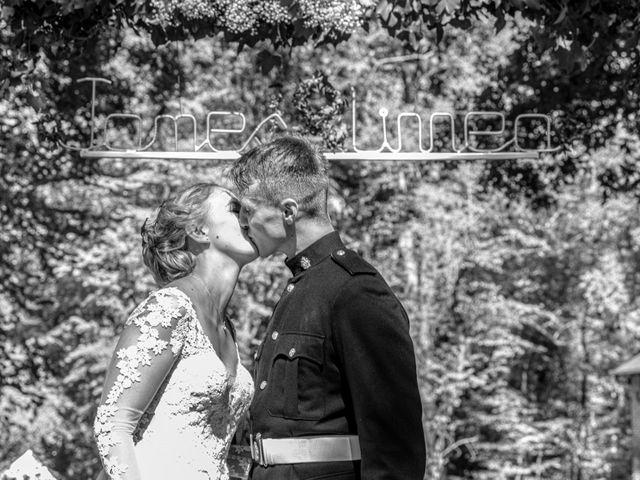 Le mariage de James et Linnea à Villedômer, Indre-et-Loire 38