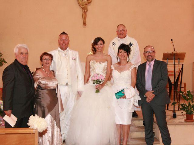 Le mariage de Damien et Julie à Entressen, Bouches-du-Rhône 2
