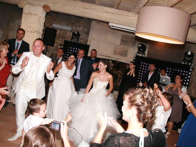 Le mariage de Damien et Julie à Entressen, Bouches-du-Rhône 8
