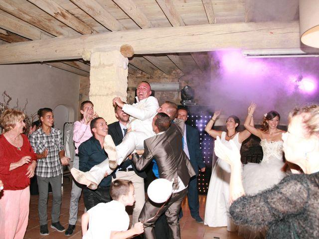Le mariage de Damien et Julie à Entressen, Bouches-du-Rhône 14