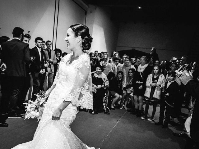 Le mariage de Adrien et Karen à Nébian, Hérault 93