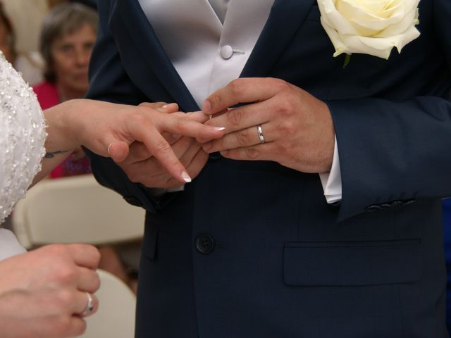 Le mariage de Vincent et Gwladys à Feigneux, Oise 7