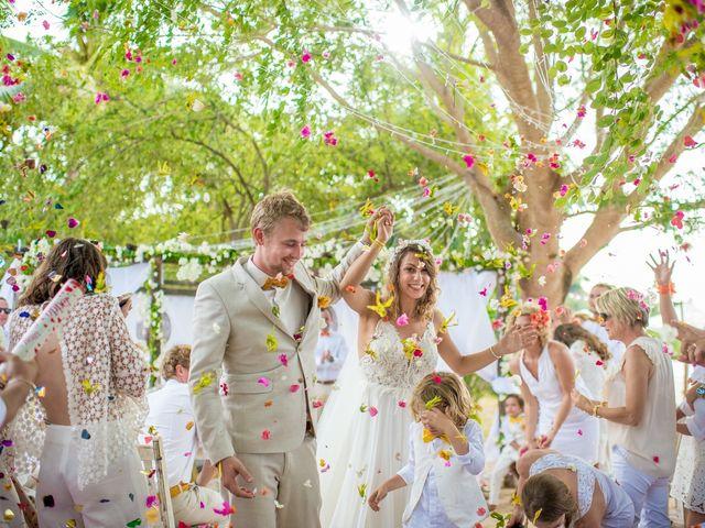 Le mariage de Aurelien et Galina à Saint-Denis, La Réunion 13
