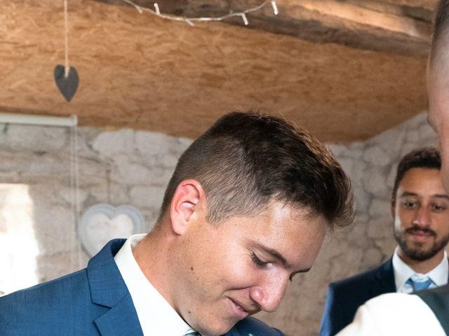 Le mariage de Anthony et Jessica à Saint-Forgeux, Rhône 33