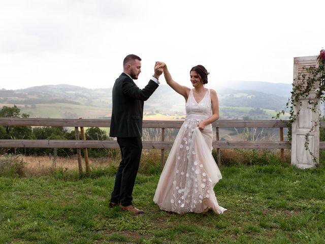 Le mariage de Anthony et Jessica à Saint-Forgeux, Rhône 73