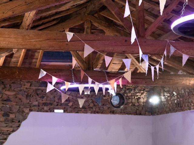Le mariage de Anthony et Jessica à Saint-Forgeux, Rhône 85