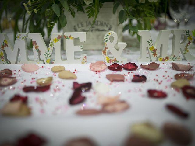 Le mariage de Manu  et Jennifer à Beaumont, Vienne 32