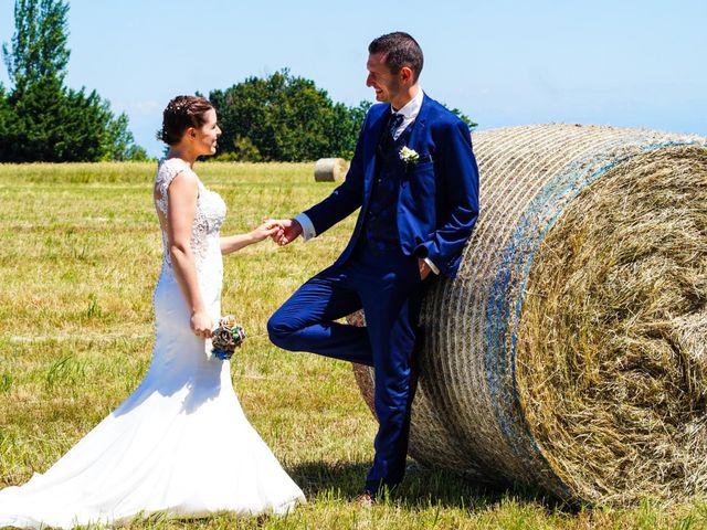 Le mariage de Romain et Elsa à Saint-Clair, Ardèche 10