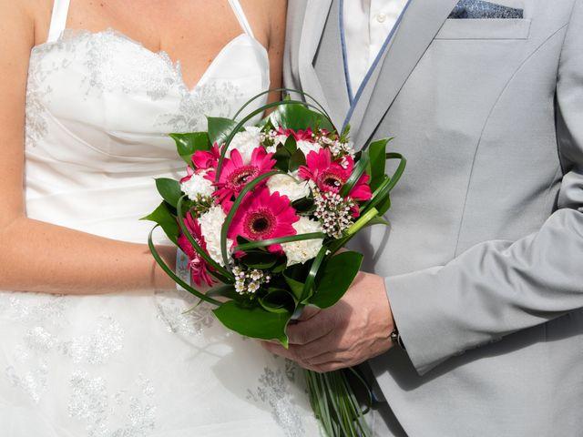Le mariage de Gilles et Edwige à Pont-de-Salars, Aveyron 9